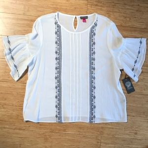NWT Vince Camuto White Embroidered Top